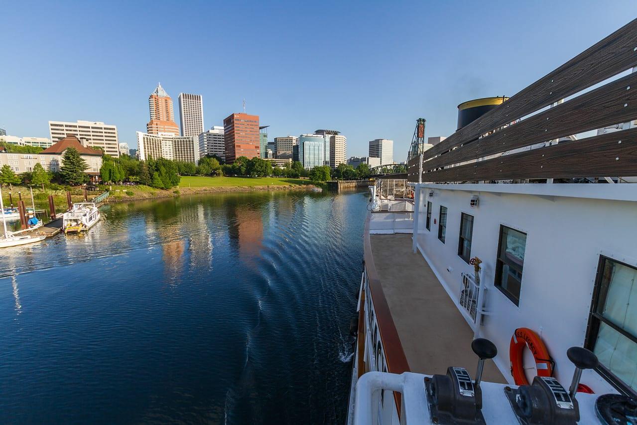 Peter-West-Carey-UnCruise-River2014-0531-9142-X2